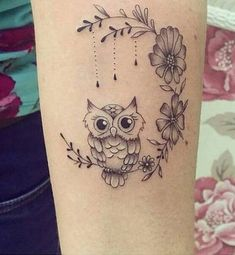 Tatuagens Femininas no Braço: Mais de 50 Inspirações Incríveis para a Sua Nova Tattoo! Lottus Tattoo, Tatoos, Tatting, Piercings, Tattoo Designs, Skull, Pretty, Owls, Delicate Feminine Tattoos
