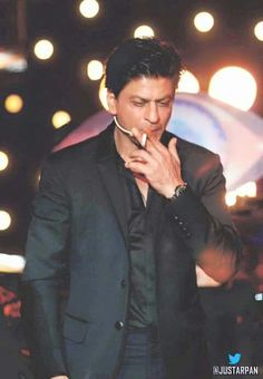 When he smoke I burn King Of My Heart, King Of Hearts, Bollywood Stars, Boss Show, Star Wars, Shahrukh Khan, Good People, Actors & Actresses, Celebrities