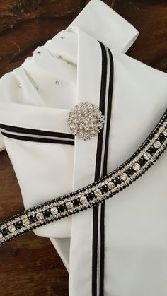 stunning crossover stock tie with matching browband. Available from Equestrian Pzazz on Facebook or etsy