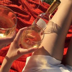 red, aesthetic, and grunge image Arrow Tattoo, Tumblr, Red Aesthetic, Aesthetic Photo, Photography Aesthetic, Aesthetic Vintage, Photography Poses, Foto E Video, Alcoholic Drinks