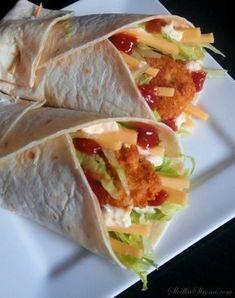 Słodka Strona: Domowe Snack Wrap jak z McDonald's Food To Go, Food And Drink, Healthy Vegan Snacks, Healthy Recipes, Food Porn, Pizza, Kitchen Recipes, Wrap Recipes, Yummy Food