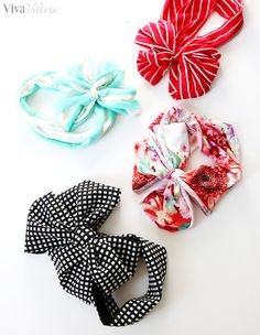 A tutorial on how to make a knit bow DIY no sew baby headband in 10 minutes or less!