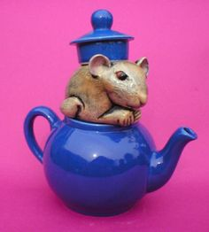 Dormouse teapot by Andy Titcomb, http://andytitcomb.com/
