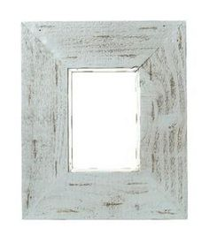 Rework old picket fence panels into decorative picture frames for a country, French country or rustic style room. Old wood pickets have a distinctive charm with their rough texture and often peeling paint. Wood Picket Fence, Picket Fence Panels, Rustic Fence, Cedar Fence, Small Picture Frames, Picture Frame Decor, Marco Diy, Old Fence Boards, Barn Siding