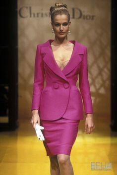 Image from object titled 'Christian Dior, Spring-Summer Couture' 1990s Fashion Trends, Runway Fashion, Fashion Outfits, Fashion Models, Christian Dior Designer, Original Supermodels, 90s Models, Dior Haute Couture, Suits For Women