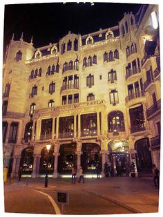 Casa Fuster (Domenech i Montaner), Barcelona