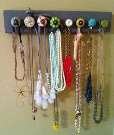 DIY Anthro knob necklace holder.