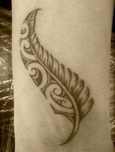 Tattoo feather maori new zealand 64 Ideas zealand tattoo Tattoo feather maori new zealand 64 Ideas Maori Tattoos, Irezumi Tattoos, Maori Tattoo Frau, Tattoos Bein, Ta Moko Tattoo, Foot Tattoos, Body Art Tattoos, Tribal Tattoos, Small Tattoos