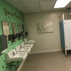 Alabama teachers have back-to-school surprise for middle-school girls Inspirational messages in girl School Hallways, School Murals, White Bathroom Tiles, Modern Bathroom, Paint Bathroom, Bathroom Mat, Boho Bathroom, Bathroom Interior, Bathroom Ideas
