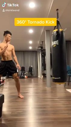 Boxing Training Workout, Mma Workout, Kickboxing Workout, Gym Workout Videos, Gym Workout For Beginners, Workouts, Mixed Martial Arts Training, Martial Arts Workout, Self Defense Moves