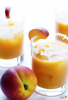Fresh Peach Margaritas | Blend fresh peaches into puree, add tequila, lime juice, triple sec, & agave, then shake!
