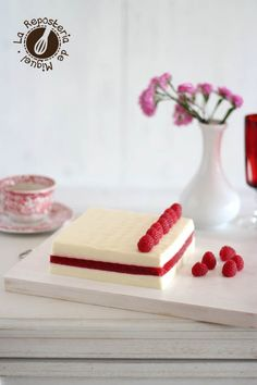 Mousse de Chocolate Blanco y Gelatina de Frambuesas | La Repostería de Miguel