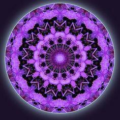Purple Mandala. Conexión total mente, corazón y cuerpo, una foto de mi alma hoy!