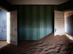 - Indoor Desert by Álvaro Sánchez-Montañés