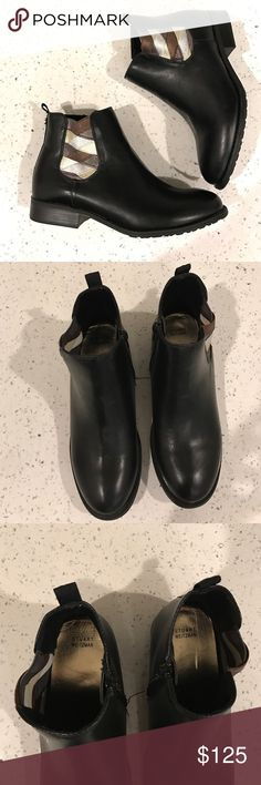 New Stuart Weitzman booties Brand new Stuart Weitzman booties. Kids' size 4, perfectly fit adult size 7 so listed as such Stuart Weitzman Shoes Ankle Boots & Booties