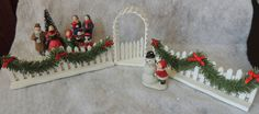 LEMAX  Fence Gate Snow + Christmas Village Carolers  Train Accessory #Lemax