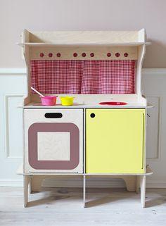 wooden kitchen via the apartment