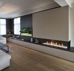 Afbeeldingsresultaat tv wall unit with fireplaceafbeeldingsresultaat Home Fireplace, Modern Fireplace, Fireplace Design, Fireplaces, Living Room Tv, Home And Living, Style At Home, Muebles Living, Living Room Designs