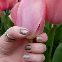 gorgeous mani @rwhalen5 love seeing all the manicures on the Nailfie Pinterest board. #PewterJN #CremeDeLaCremeJN