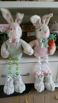 Bunny Crafts, Easter Crafts, Felt Crafts, Crafts To Make And Sell, Diy And Crafts, Animal Sewing Patterns, Fabric Toys, Easter Wreaths, Easter Bunny
