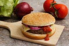 Egy finom Hamburger - házilag ebédre vagy vacsorára? Hamburger - házilag Receptek a Mindmegette.hu Recept gyűjteményében! Hamburger, Lunch, Retro, Ethnic Recipes, Food, Eat Lunch, Essen, Burgers, Meals