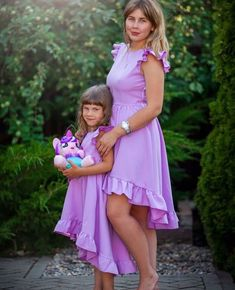 Ideas For Baby Fashion Diy Daughters Mommy Daughter Dresses, Mother Daughter Dresses Matching, Mother Daughter Fashion, Mother Daughters, Floral Prom Dresses, Flower Girl Dresses, Bridesmaid Dresses, Newborn Knit Hat, Beauty Uniforms