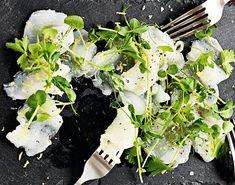 Elegant og kjapp forrett med nydelig kveite og grønne urter