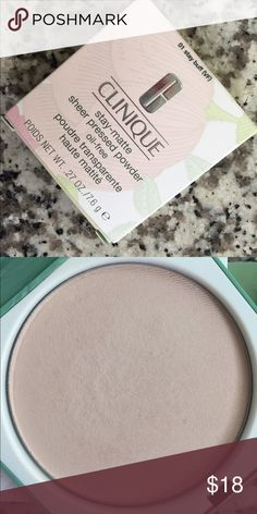 Clinique 💕 It was a gift 💞wrong color too light for my skin tone 💕 Clinique Makeup Face Powder
