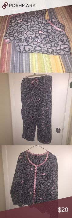 Extremely soft fleece PJ set!!! This set of soft fleece pajamas is a Score!!! Never worn! Super cute design, grey w/ black lined sketched hearts with some of them soft pink matching the linings on both the top & bottom! Winter is coming!!! perfect condition!!! planet sleep Intimates & Sleepwear Pajamas