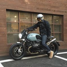 WEBSTA @ motorino_kr - .Wrenchmonkees mc jacket for Winter❄️ .#bmw #rninet #ninet #custombike #davida #wrenchmonkees #redwing #borraniwheels #unitgarage #caferacer #scrambler #motorino #retroworks #style #fashion #lifestyle #모토리노 #레트로웍스 #스타일 #패션 #클래식바이크 #알나인티 #나인티 #커스텀바이크 #다비다 #보라니휠 #레드윙 #셀비지 #유닛게러지
