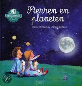 Wil je alles weten over sterren en planeten? In dit boek lees je meer over de aarde, de maan, de zon, de sterren en de andere planeten. Je vindt in dit Willewete boek ook leuke versjes en opdrachten, een grote uitklappagina en een miniquiz, zodat je een echte expert wordt. Je leest ook hoe zelf maankoekjes kan bakken en hoe je een mooie raket van karton kunt maken! Een informatief prentenboek voor kinderen vanaf 5 jaar.