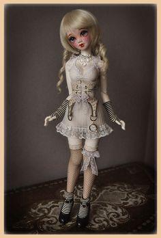Cynnamon, standing unaided in high heels by Clockwork_Angel, via Flickr