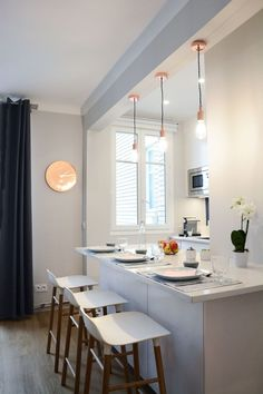May the light be in the white kitchen! Apartment Room, Semi Open Kitchen, Small Room Bedroom, Kitchen Remodel, Open Kitchen And Living Room, Sweet Home, New Kitchen, Trending Decor, Kitchen Dining
