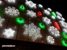 El Corte Ingles de Málaga ya luce su almbrado navideño lo mismo que otros grandes centros comerciales com Carrefour Alameda