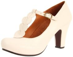 Since her first collection in designer Chie Mihara keeps offering surprises with her eponymous shoe collection. Chie Mihara shoes are a mix of classic contemp Beige Sandals, Beige Shoes, Offbeat Bride, Glitter Heels, Pretty Shoes, Shoe Collection, Comfortable Shoes, Shoes Online, Wedding Shoes