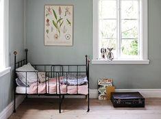 inredning, torp, Gotland, summerhouse, interior, bedroom vintage kids room kidsdecor barnrum| Emmas Vintage