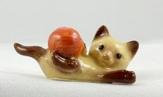 HAGEN RENAKER Kitten With Yarn Ball Cat Figurine by Ariamel, $20.00