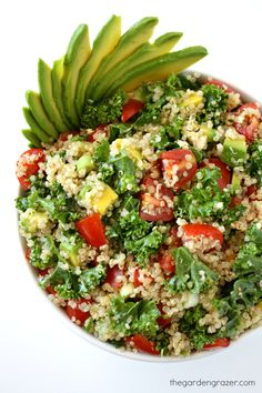 9-ingredient Quinoa Avocado Kale Power Salad! So energizing, nutrient-packed, and great for picnics and packed lunches too! (vegan, gluten-free)