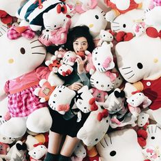 "Tara Milk Tea  on Instagram: ""Have you heard? Hello Kitty Diner will be coming to Sydney in October!!  And I'm super excited to announce that I am the official brand ambassador for Hello Kitty, and will be bringing you the latest updates as we welcome this well loved feline friend (and icon) to our shores! Stay tuned!  P.S. She loves apples! @hellokittydineraus"""