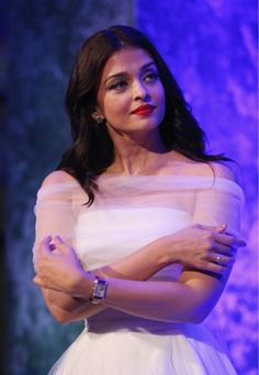 High Quality Bollywood Celebrity Pictures: Aishwarya Rai Bachchan Looks Gorgeous In White Dress At The Longines DolceVita Asia Pacific Launch At Museum of Contemporary Art In Sydney, Australia Aishwarya Rai Pictures, Aishwarya Rai Photo, Actress Aishwarya Rai, Aishwarya Rai Bachchan, Bollywood Actress, World Most Beautiful Woman, First Daughter, Miss World, Museum Of Contemporary Art