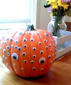 Googly Eyed Pumpkin-HGTV pumpkin design idea