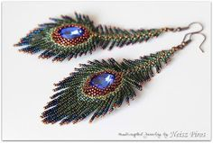 Neisz Piros gyöngyei: Upgrade - Toll a fülbe Seed Bead Jewelry, Bead Jewellery, Seed Bead Earrings, Feather Earrings, Beaded Earrings, Wire Jewelry, Jewelry Crafts, Beaded Jewelry, Peacock Earrings