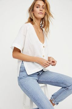 Browse Free People's wide selection of tops for women. Choose from these stylish and comfortable white lace tops, off the shoulder tops, and more! Dress Outfits, Girl Outfits, Casual Outfits, Summer Outfits, Cute Outfits, Summer Clothes, Fitz Huxley, Summer Looks, Ideias Fashion