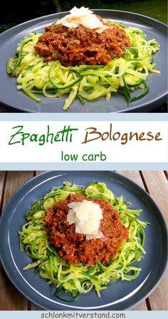 Zpaghetti Bolognese – low carb Ein schnell zubereitetesund leckeres low carb Gericht. Ich koche immer die doppelte Portion Bolognese, denn am nächsten Tag schmeckt sie mir fast noch besser. Zutaten für 4 Personen: 500 g Bio-Rinderhackfleisch 2 ELGhee 1 Zwiebel 1 Knoblauchzehe 1 Karotte 1/2 grüne Paprika 250 g pürierte Tomaten Salz, Pfeffer, Paprika edelsüß, Kräuter, z.B. Sonnentor Provencekräuter Pro Person 1mittelgroße Zucchini Parmesan #abnehmen #lowcarb #Zudeln #Gesundheit #essen #koch