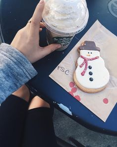 """12.9k Likes, 84 Comments - Tara Michelle (@imtaramichelle) on Instagram: """"☕️+🍪 = happiness"""""""