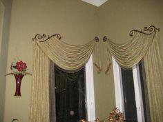 Window treatment for corner windows