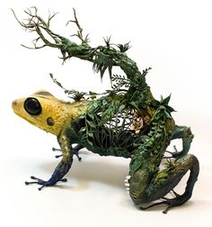 New Surrealist Sculptures by Ellen Jewett Effortlessly Combine Animals With Their Fantastical Surroundings | Colossal