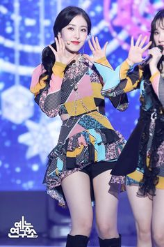 Photo album containing 19 pictures of GFRIEND Pop Group, Girl Group, Baby Jessica, Sinb Gfriend, Cloud Dancer, Summer Rain, G Friend, Queen B, Stage Outfits