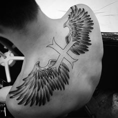 angel-wing-tattoos-17
