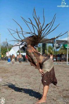 .... Hippie Dreads, Dreads Girl, Hippie Chick, Hippie Style, Hippie Life, Boho Hippie, Raves, Trance, Dreadlock Hairstyles